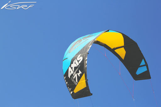 Isurf NL - ADI Kites Axis 7M (Photographer: Laurent Deckers)