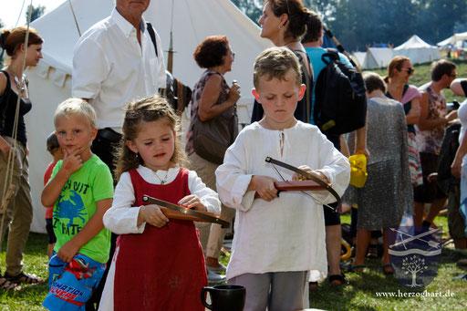 Das Kinder-Armbrustschießen ist besonders leicht zu bedienen. /Foto: Stephan