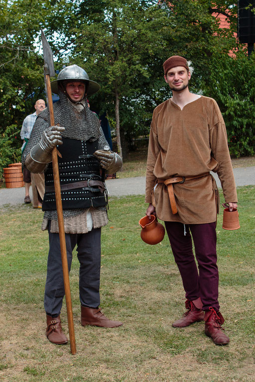 David (links) und Stephan (rechts) waren auf die Waffenschau des Markgrafen. /Foto: Alina/Stephan