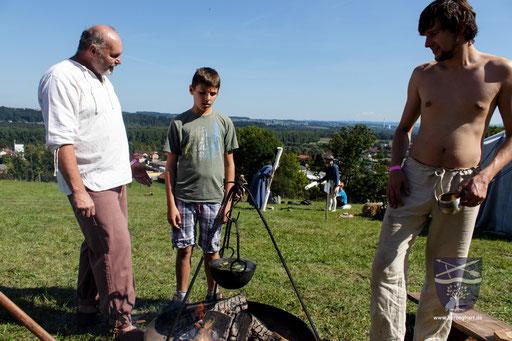 Die Lagerküche ist sehr wichtig. Da wir nach alter tradition Kochen, finden das Zuschauer meist sehr interessant. /Foto: Stephan