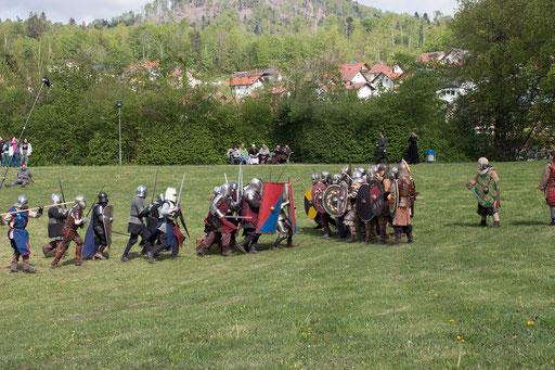 Anschließend krachen beide Heere aufeinander. /Foto: Julia