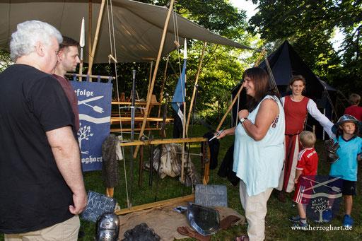 Nicht nur für unsere kleinen Gäste ist Mittelalter zum Anfassen ein Renner! /Foto: Stephan