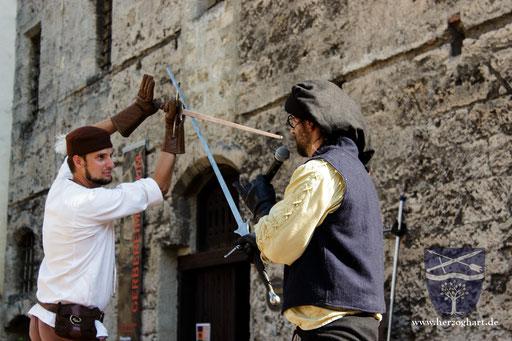 Stephan (links) stellt eine Bedrohung für Dustin (rechts) dar. Dustin erklärt, was er machen kann... /Foto: Julia