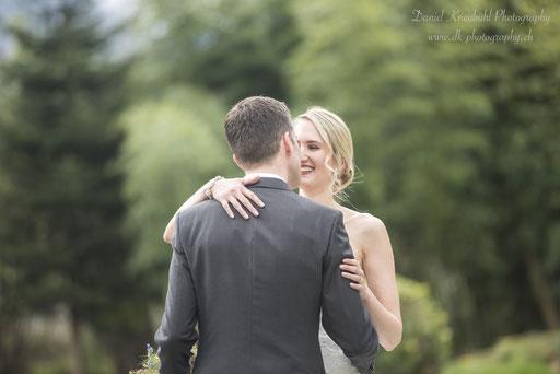 Brautpaar im Garten