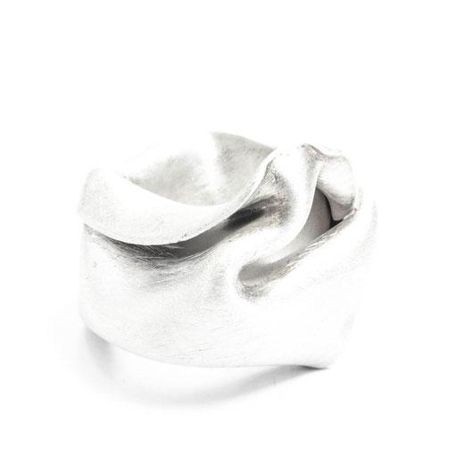 Folds Ring Med 1
