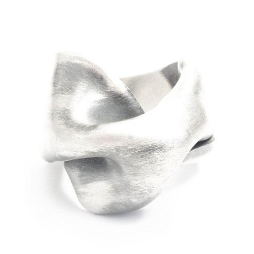 Folds Ring Med 2
