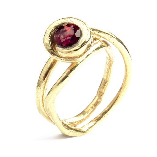 Grapevine Ring Garnet