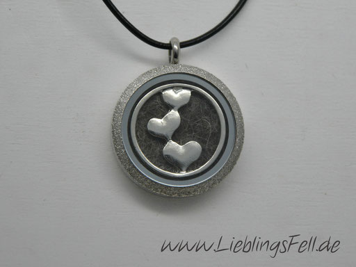 Edelstahl-Amulett (3 cm) mit diamantiertem Rand Lederkette -49 €- (Bild K20)
