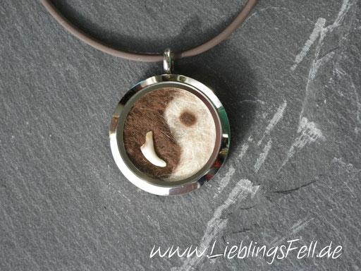 """Edelstahl-Amulett """"Yin Yang"""" (3 cm) mit glänzendem Rand mit Kautschukkette -59 €- (Bild K21)"""
