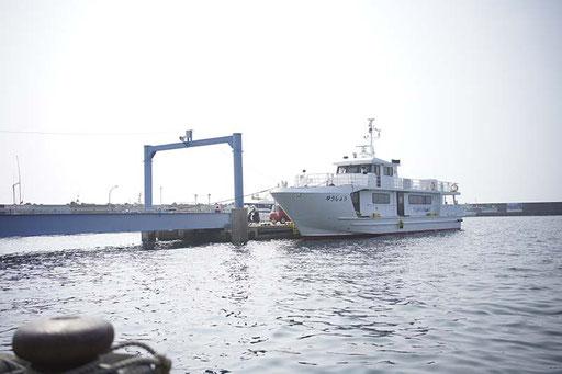 定期船「ゆうしょう丸」(馬渡島)