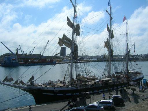 Le Bélem dans le bassin Vauban du port de St-Malo