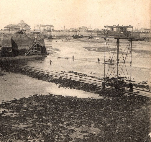 Le pont roulant entre St Servan et St Malo (début XXe siècle)