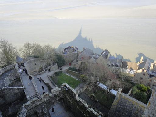 L'ombre du Mont Saint-Michel