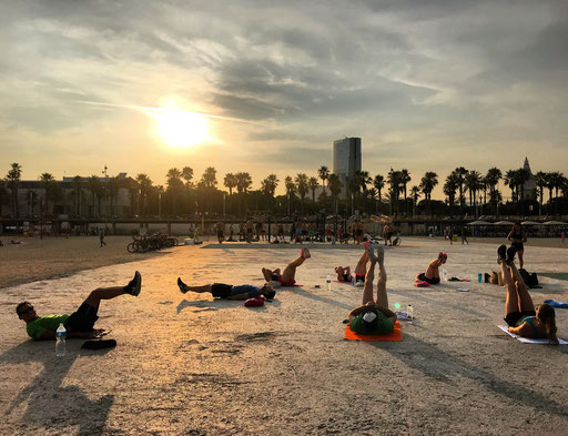 Bootcamp outdoor workout barcelona training fitness boxing yoga entrenamiento are libre groups grupos trainer entrenador