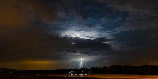 Étoiles et orage sur la forêt d'Othe - FR10