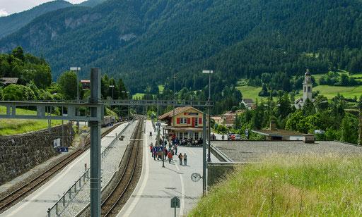 Blick auf den Bahnhof Tiefencastel