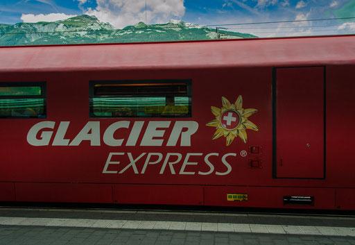 Der Glacier Express im Bahnhof Chur