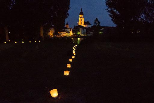 Lichtspur zum Turm