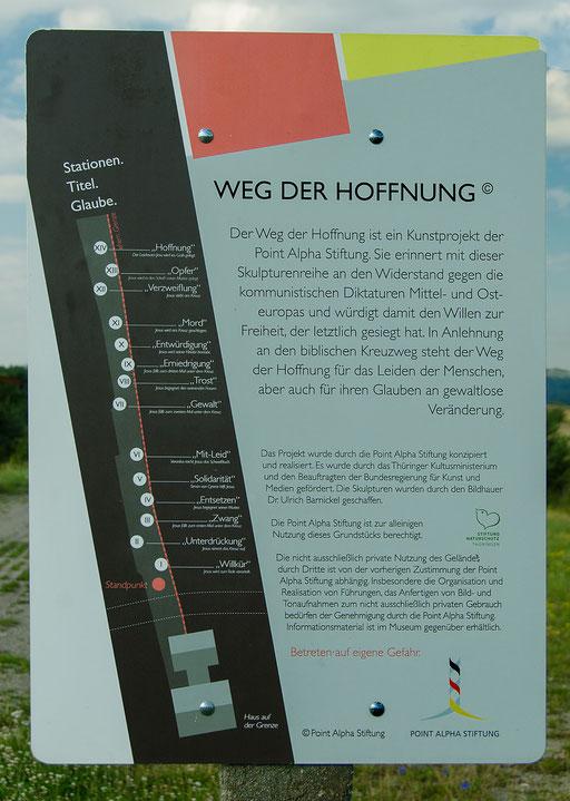 Weg der Hoffnung, Vierzehn Skulpturen auf eineinhalb Kilometer Weg des einstigen Todesstreifen erinnern an den biblischen Kreuzweg