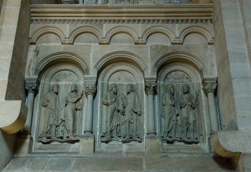 Ostchorschranke mit Aposteln