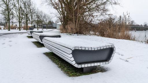 Verschneite Sitzgruppe