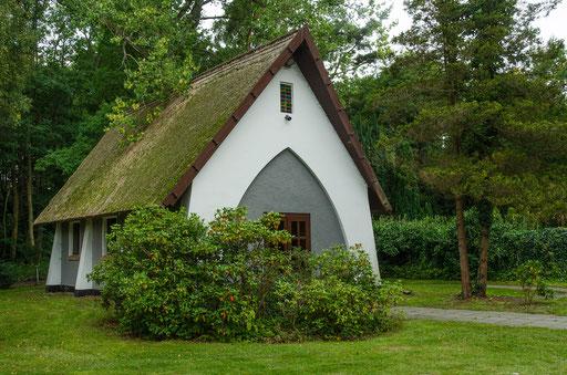 Kleines Riedgedecktes Gebäude...   /Seemannskirche