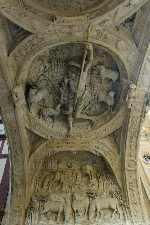 Rouen; La Gros-Horloge (Großer Uhrenturm) Durchgang