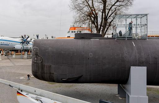 Unterseeboot U-9, Austiegsluke