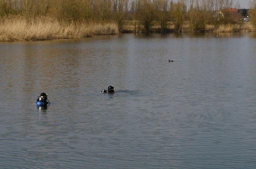 2 Taucherinnen im Hörblacher Baggersee