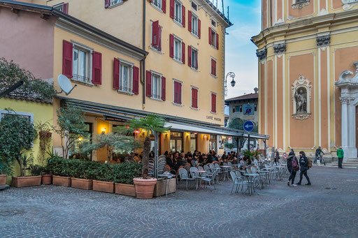 Cafe Maroni