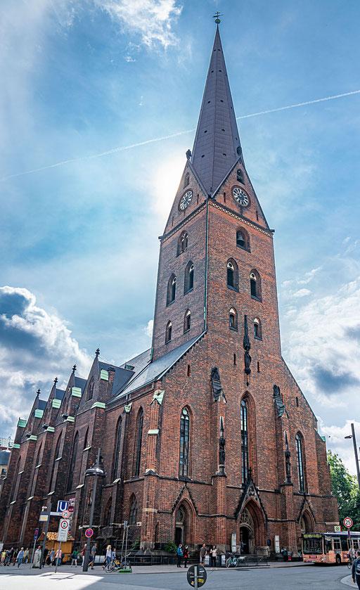 St. Petri Kirche an der Ecke Bergstraße/Mönckebergstraße
