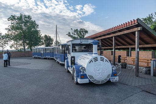 Die Kap-Arkona-Bahn kurz vor der Abfahrt