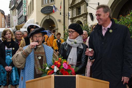 Hofrat Walter Vierrether, Frau Biebl vom Stadtmarketing und OB Siegfried Müller