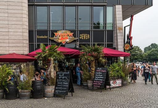 """Das """"ROCKIN' RESTAURANT ZWICK"""" am Millerntorplatz 1"""