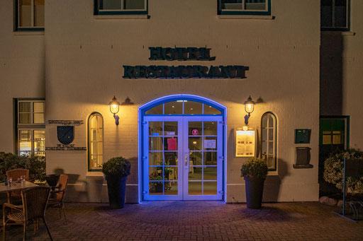"""Das Hotel """"Wikinger Hof"""" in Kropp.  Der Haupteingang"""