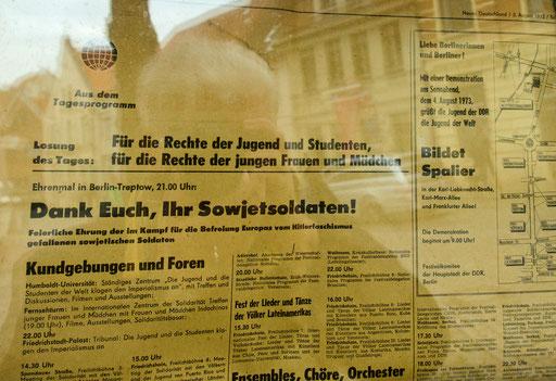 Neues Deutschland  /3. August 1973...   /Gesehen in den Fenstern einer Eckkneipe