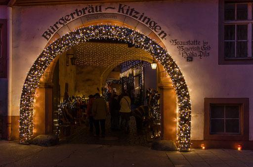 Das Tor zum lichtdurchflutetem Adventsparadies (Bürgerbräu-Areal)