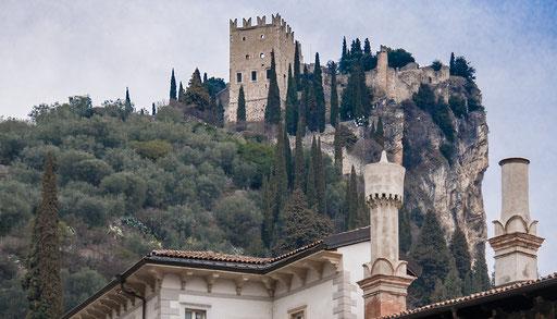 Die Burgruine von Arco