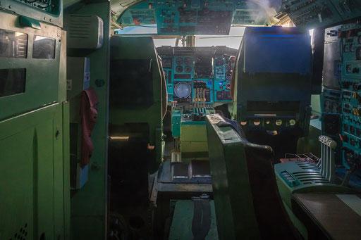 Tupolev TU 144, Blick ins Cockpit