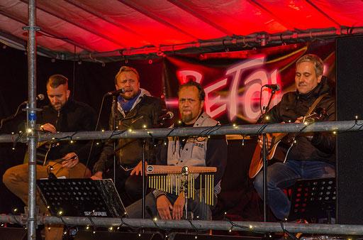 Die Musiker der Band Retale