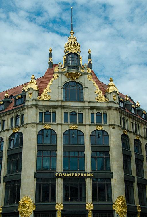 Commerzbank, Gold im Tresor und Gold an der Fassade