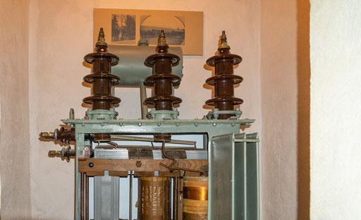 Aufgeschnittener 20-kV-Netztransformator