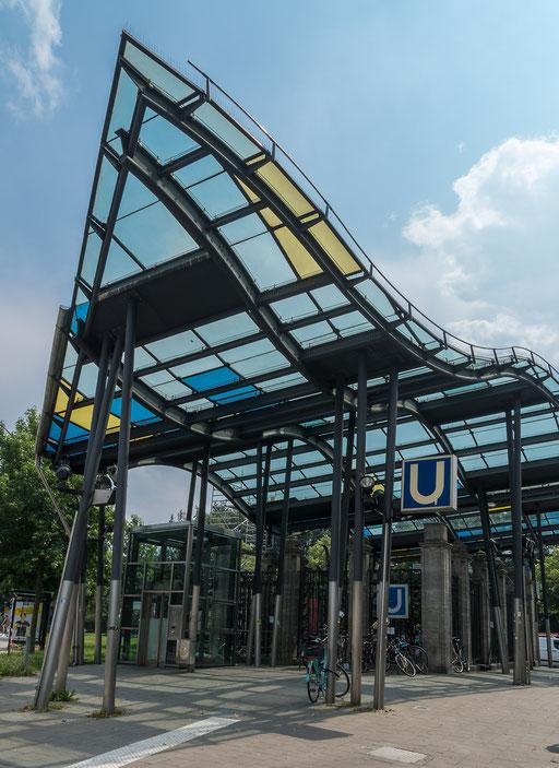 Von der U-Bahn Station direkt auf die Reeperbahn