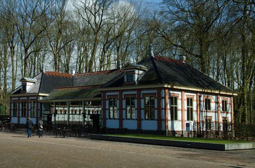 Palais Het Loo, Prinz Hendrik Garage