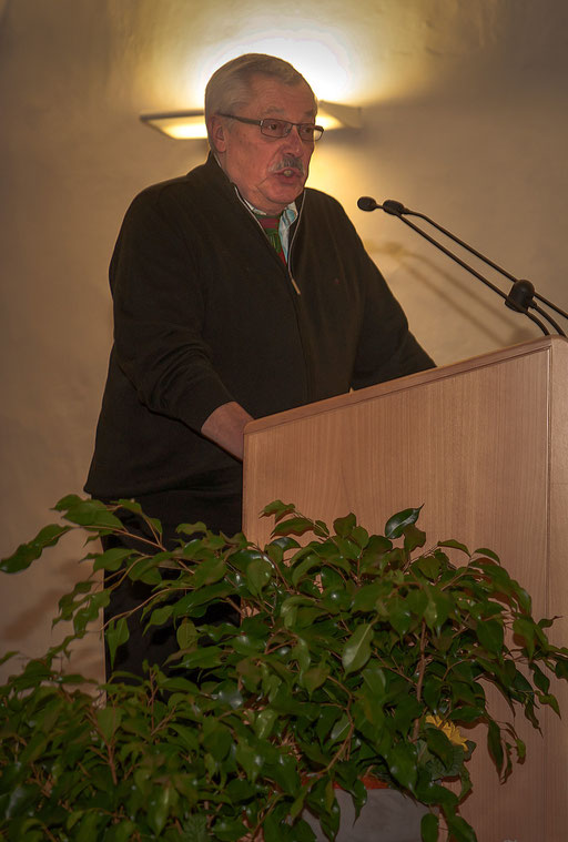 Helmut Beer bedankt im Namen der Preisträger