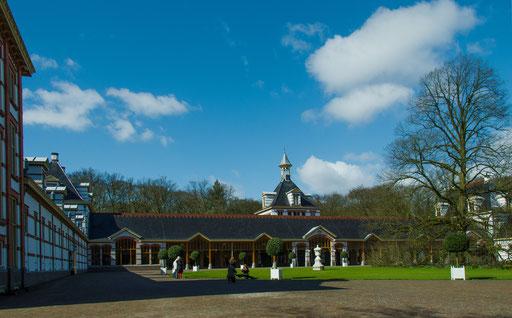 Palais Het Loo, Pferdeställe und Remisen für die königlichen Kutschen und Automobile