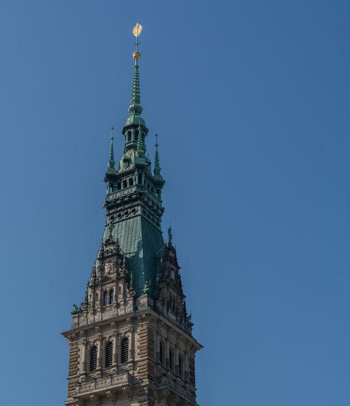 Hamburger Rathaus ist der Sitz der Bürgerschaft (Parlament) und des Senats (Landesregierung) der Freien und Hansestadt Hamburg.