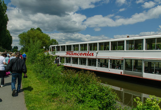 Die MS Frankonia erwartet die Gäste