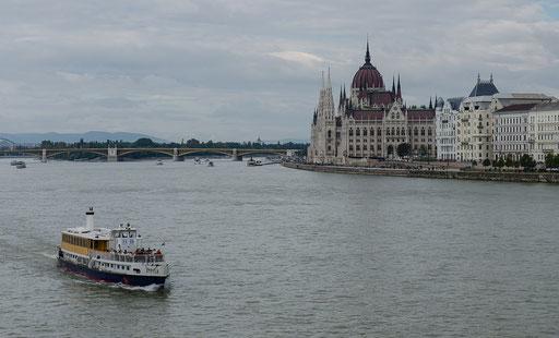 Blick zum Parlamentsgebäude