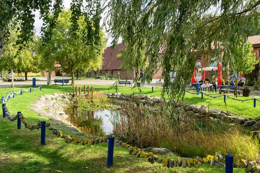 kleiner Teich im Innenhof